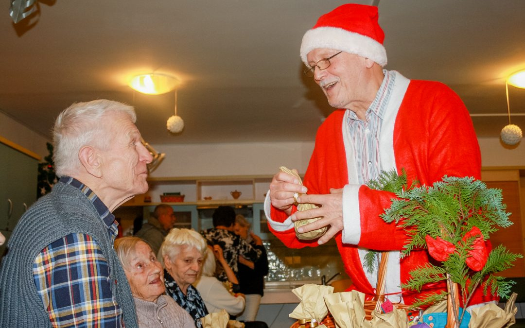 Holosophic Society Slovenia Brought Gifts to Residents of Two Elderly Homes