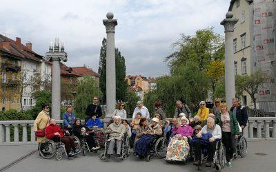Холософское Общество Словении организовало весеннюю прогулку с пожилыми людьми в Любляне (Словения)