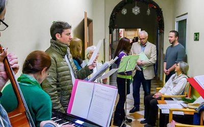 Holosophic Society Польша – Музыкальное Рождество для пожилых в Мирске